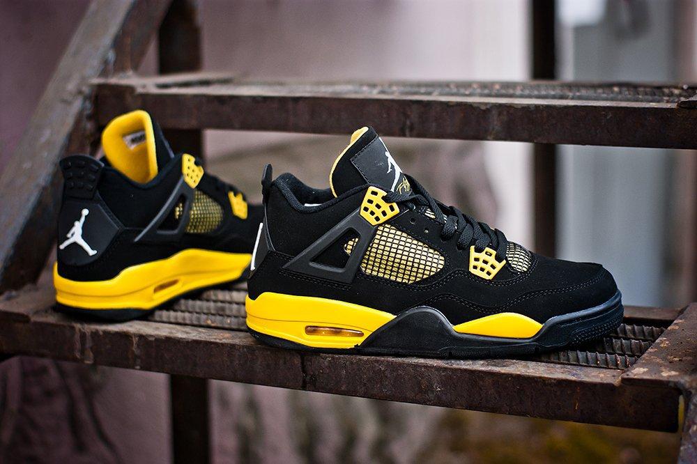 a4869a02eb07 Кроссовки мужские Nike Air Jordan 4 Retro «Thunder» Black   White   Yellow
