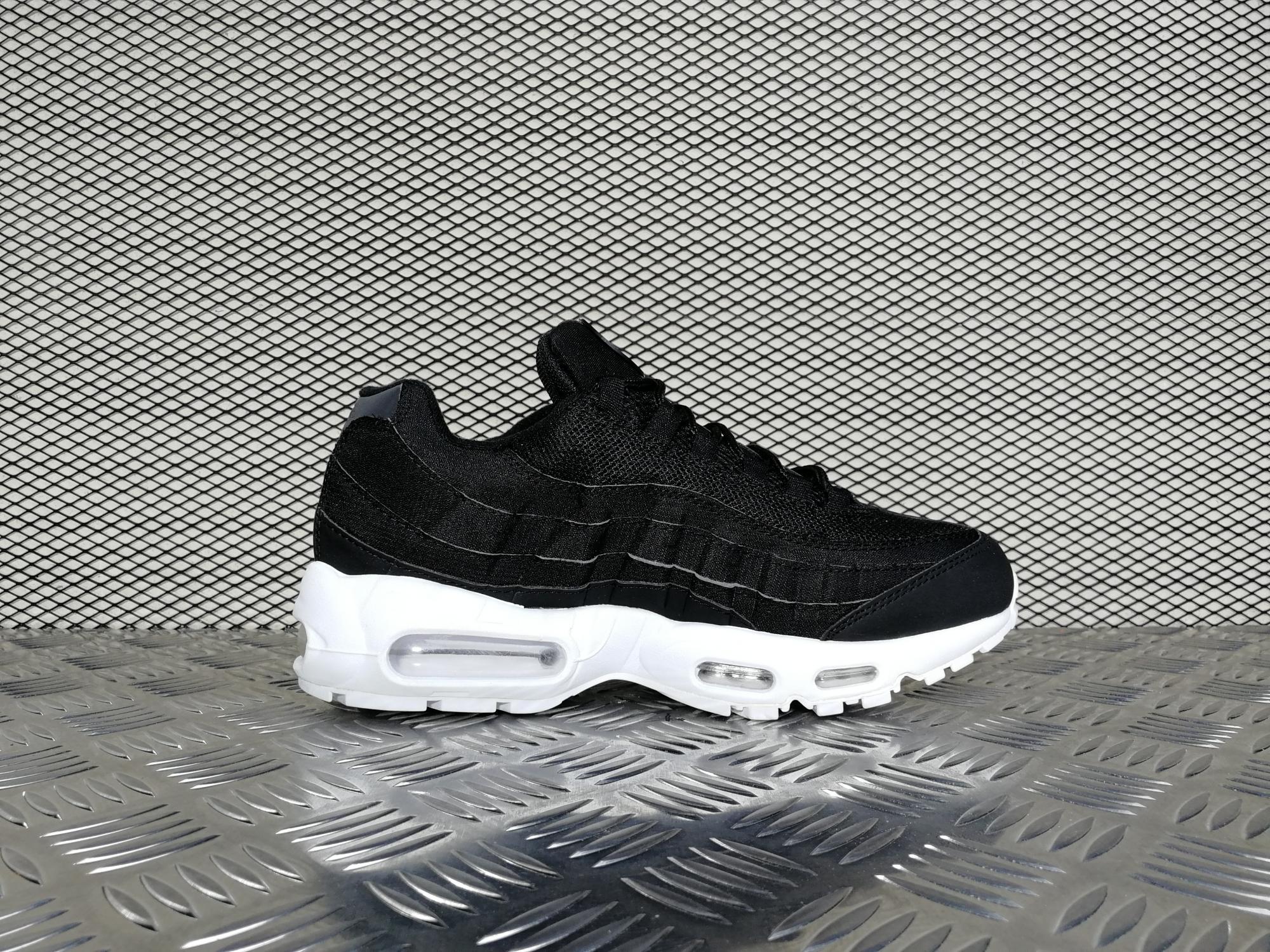 Купить мужские кроссовки Nike Air Max 95 X Stussy Black   White в ... a56b04616fa