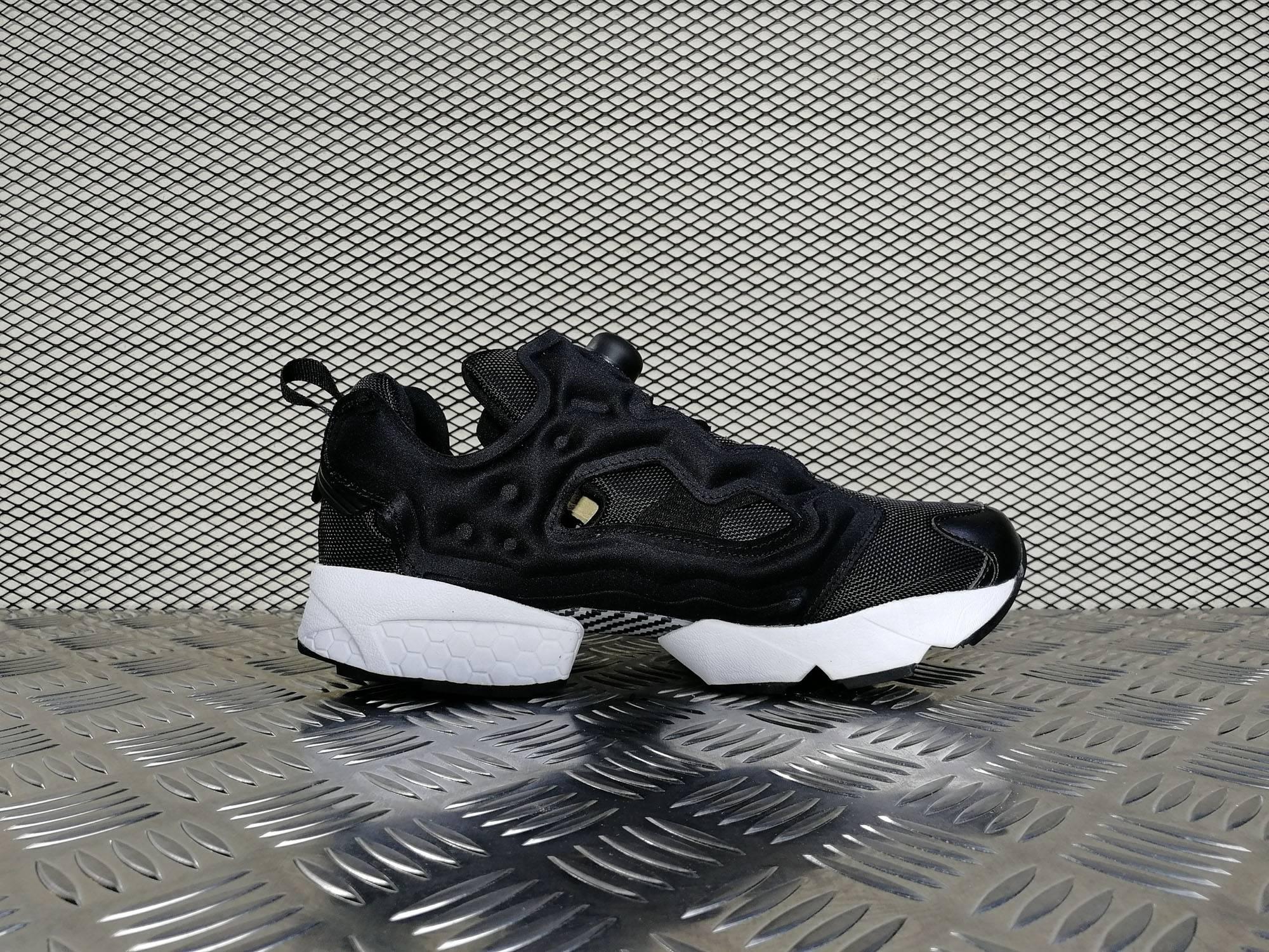 Купить мужские кроссовки Reebok Instapump Fury OG Black   White в ... c0f282b24317a