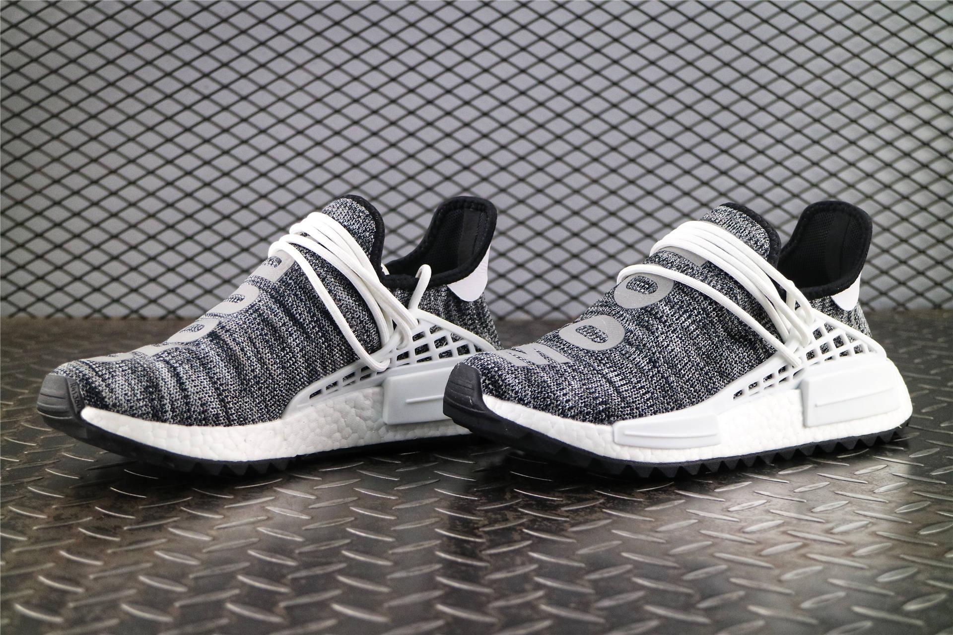 4b6c525f2b003 Кроссовки мужские Adidas Nmd X Pharrell Williams HUMAN RACE TRAIL Core Black    White